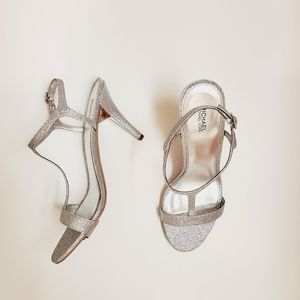 NWOB Michael Kors T Strap Sandal Silver Glitter
